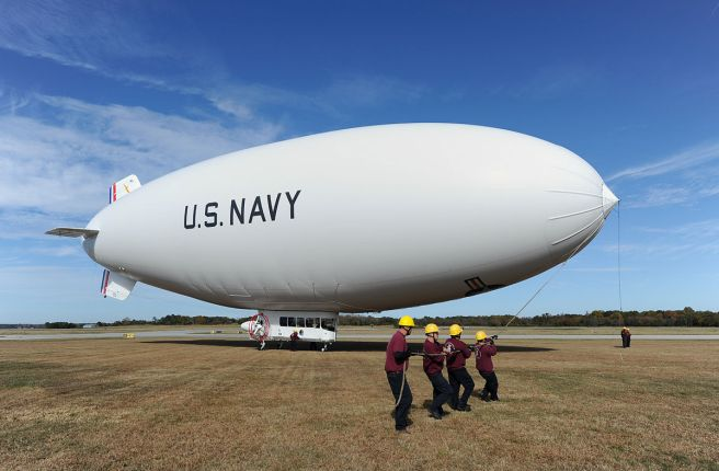 1200px-handlers_prepare_to_launch_the_u-s-_navy_mz-3a_manned_airship_for_an_orientation_flight_from_naval_air_station_patuxent_river2c_md-2c_on_131106-n-po203-532